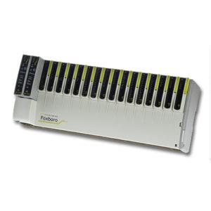 Régulateur et Automate programmable E+PLC